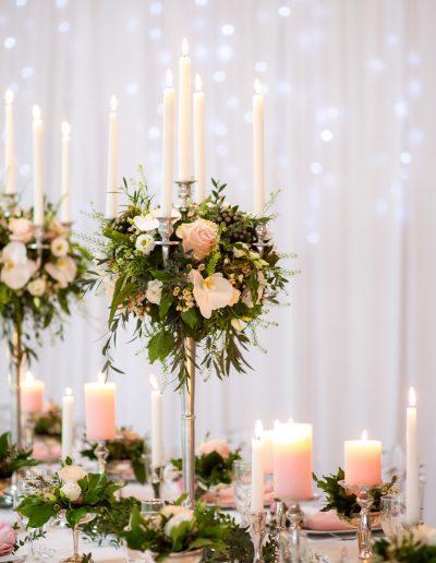 Décoration de mariage à Deauville, au Domaine les Planches - Bougeoirs et bouquets de fleurs , par CREA EVENT, Décoratrice UFDI à Honfleur, Deauville, Caen - 14