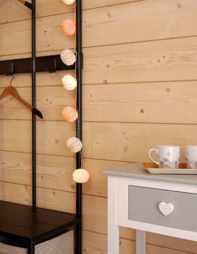 Chambre d'hôtes style indus Honfleur - contraste entre le style indus brut et la douceur du rose poudré © francois louchet, par CREA DECO, Décoratrice UFDI à Honfleur, Deauville, Caen - 14