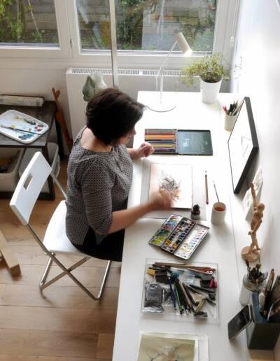 Rénovation Appartement et atelier d'artiste en triplex à Honfleur - vue vers l'atelier et la table rabattable sur-mesure © francois louchet, par CREA DECO, Décoratrice UFDI à Honfleur, Deauville, Caen - 14